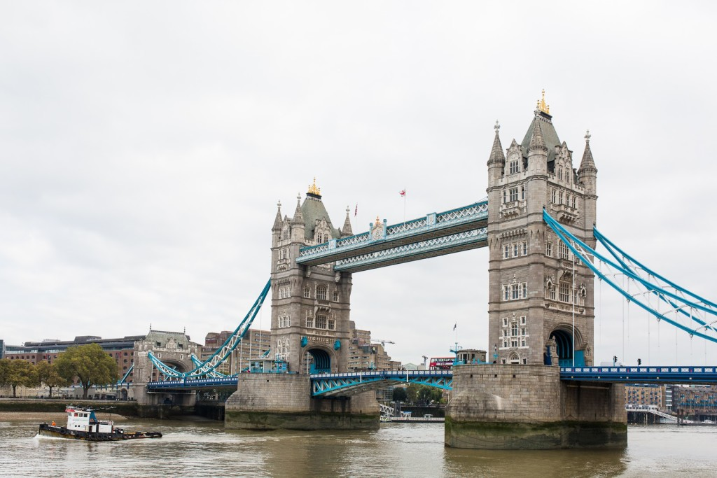 London Tower Bridge / See and Savour