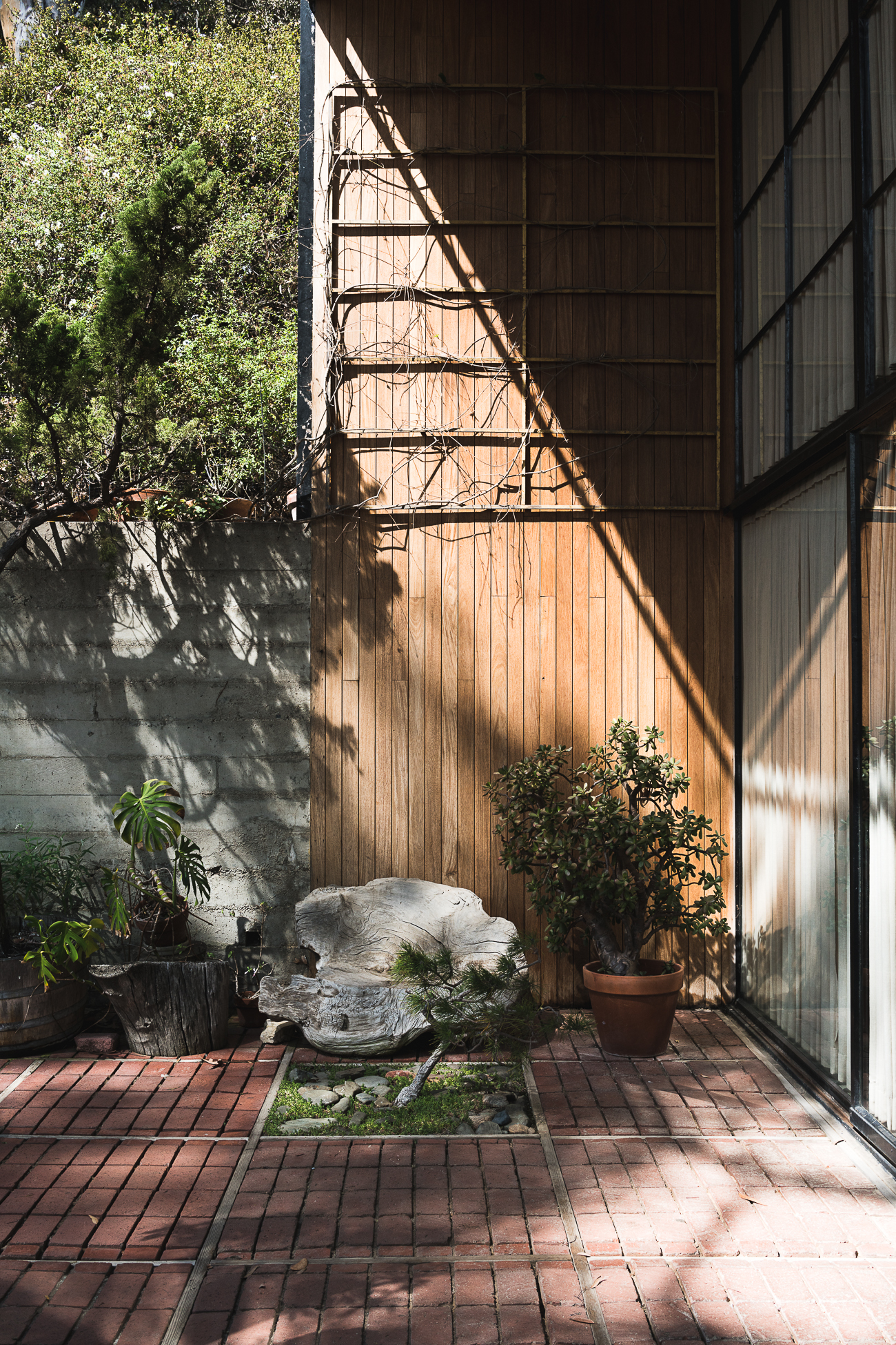 Eames House Case Study #8 / See and Savour