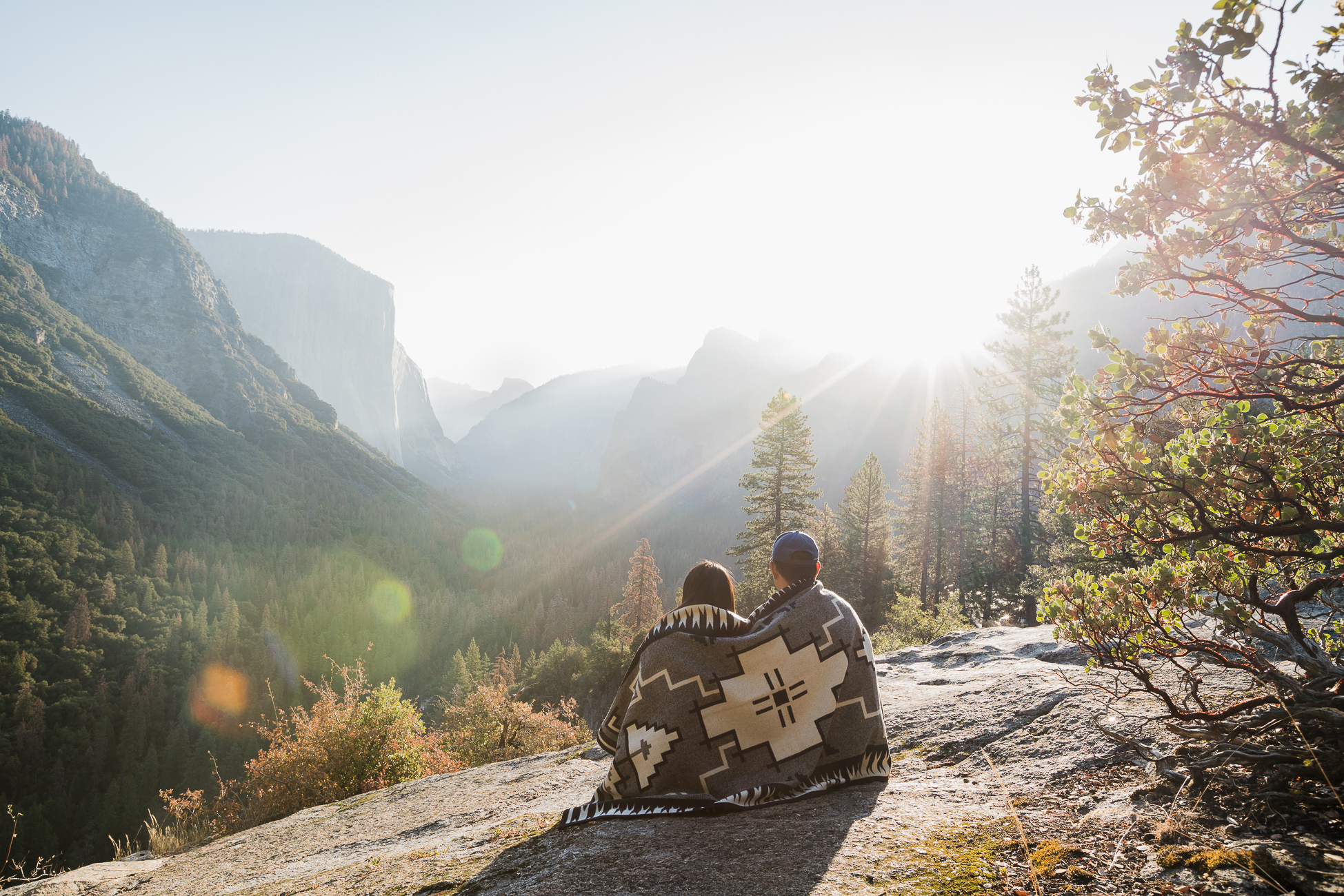 Sunrise at Tunnel View in Yosemite National Park / See & Savour