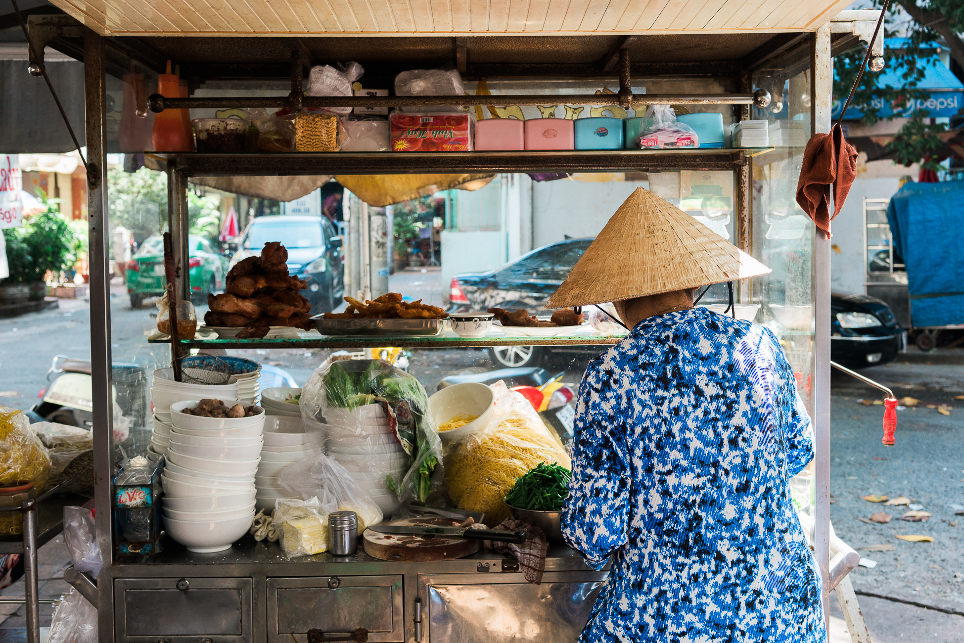 Lunch Lady -  Saigon, Vietnam / See and Savour